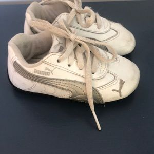 Toddler White Puma, Size 6